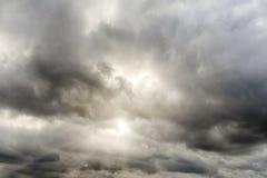 1 molniga sky Arkivfoto