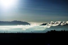 Molnigt berg Royaltyfria Bilder