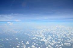 Molnigt med blå himmel Royaltyfri Fotografi