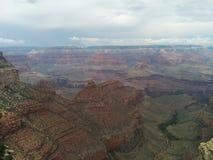 Molnigt mulet Grand Canyon landskap arkivfoto