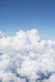 molnlinje och blå himmel royaltyfri bild