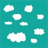 Molnsymbolsuppsättning på bakgrund för blå himmel Royaltyfri Fotografi