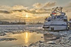 molo blokujący lodowy statek Zdjęcia Stock
