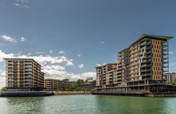 Molo costruzione residenziale ed al minuto uno nel porto di Darwin Australia immagine stock libera da diritti