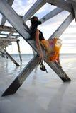 Molo della spiaggia della donna Immagine Stock Libera da Diritti