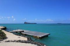 Molo di legno, costa delle Mauritius fotografia stock