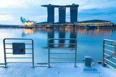 Molo naprzeciw Marina zatoki piasków hotele, Singapur Zdjęcie Royalty Free