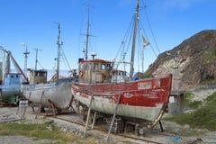 Molo per le vecchie barche fotografie stock