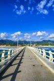 Molo, plaża i Apuane góry w forte dei Marmi Versilia Tus, fotografia royalty free