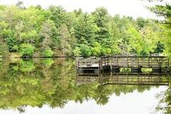 Molo przy Lustrzanym Jeziornym stanu parkiem w Wisconsin Fotografia Royalty Free
