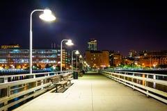 Molo 34 przy nocą, na hudsonie w Manhattan, Nowy Jork Zdjęcia Royalty Free