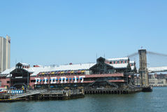 Molo 17 przy Południowym Ulicznym portem morskim w lower manhattan obrazy royalty free
