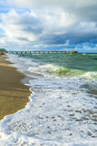 Molo przy Pogodną wyspy plażą w Miami Fotografia Royalty Free