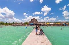 Molo w Karaibskiej Bacalar lagunie, Quintana Roo, Meksyk Fotografia Stock