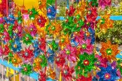 Molte belle girandole colorate, fondo, selezione del fuoco Immagine Stock Libera da Diritti