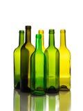 Molte bottiglie di vino verdi vuote isolate Immagine Stock Libera da Diritti