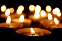 Molte candele della luce del tè Immagini Stock