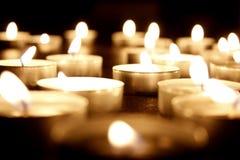 Molte candele della luce del tè Immagini Stock Libere da Diritti