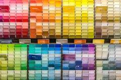 Molte carte colorate differenti Stati Uniti fotografie stock