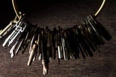 Molte chiavi d'annata fotografia stock libera da diritti