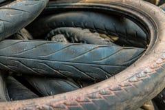 Molte gomme della ruota di uso del motociclo fotografia stock libera da diritti