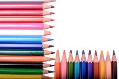 Molte matite colorate isolate su fondo bianco, posto per testo Immagini Stock Libere da Diritti