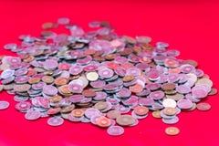 Molte monete Fotografie Stock Libere da Diritti