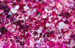 Molte piccole pietre vermiglie del diamante, priorità bassa di lusso