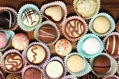 Molte praline del cioccolato di variet?, pralina gastronomica del cioccolato della confetteria belga immagini stock libere da diritti