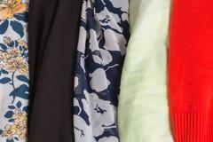Molte strutture variopinte del panno del tessuto con i modelli Fotografie Stock Libere da Diritti