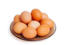 Molte uova su un piatto fotografia stock libera da diritti