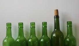 Molte vecchie bottiglie Fotografie Stock Libere da Diritti