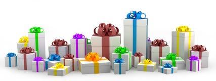 Molti contenitori di regalo bianchi con il nastro di colore Fotografie Stock