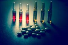 Molti farmaco e pillole variopinti Immagine Stock