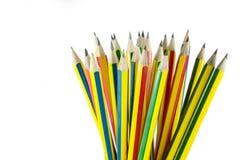 Molti hanno colorato le matite fotografie stock libere da diritti