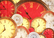 Molti orologi che riempiono priorità bassa Fotografia Stock