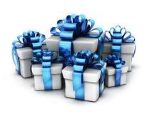 Molti regali e fondo bianco blu e del nastro illustrazione vettoriale