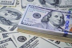 Molti soldi I lotti di cento dollari Immagine Stock Libera da Diritti