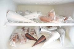Molto gelato nel frigorifero Fotografia Stock