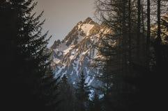 Molto picchi di alta montagna Immagine Stock Libera da Diritti