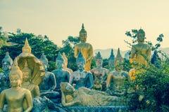 Molto tempio di Buddha Khao Takiab in Hua Hin Thailand immagini stock