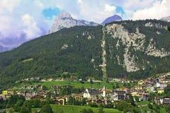 Molvenomeer in Dolomiet, Italië Stock Fotografie