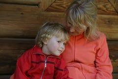 Mom και γιος Στοκ φωτογραφία με δικαίωμα ελεύθερης χρήσης