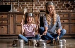 Mom και κόρη Στοκ φωτογραφία με δικαίωμα ελεύθερης χρήσης