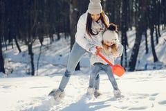 Mom και κόρη στοκ εικόνες με δικαίωμα ελεύθερης χρήσης