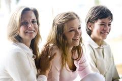 Mom με δύο παιδιά Στοκ Εικόνα