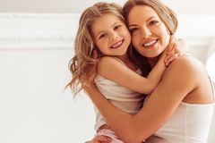 Mom με την κόρη στοκ εικόνες