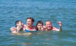 Mom με τους γιους στοκ εικόνες