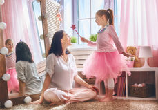 Mom and daughter playing Princess Royalty Free Stock Photos