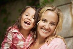 Mom och dotter Arkivbild